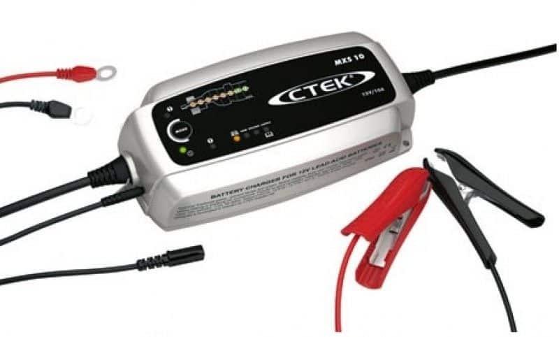 Ctek MXS 10 12V 10 ampere zware acculader voor het laden van o.a. zware startaccu's en semi-traktiebatterijen in de boot