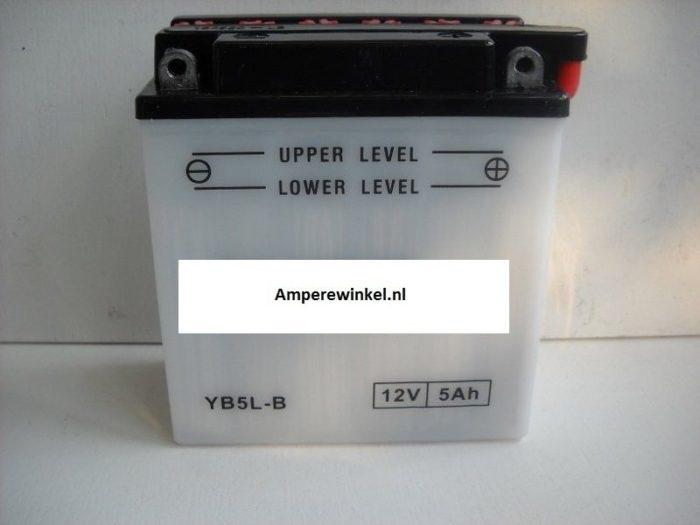 Scooter accu 12 volt 5 ah + pool rechts YB5L-B-1075