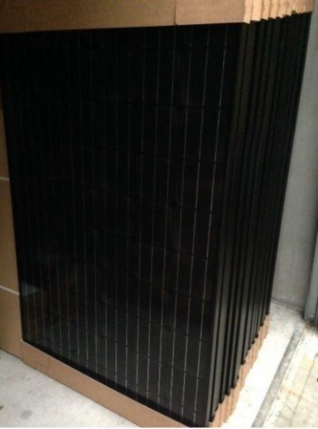 4 x 300W (1200 W !) 24V Zonnesysteem met Premium Black Daglichtpaneel - Monokristallijn Zonnepaneel-0